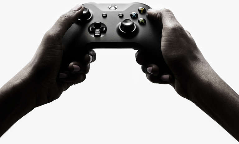 Xbox One X Hands Seamless